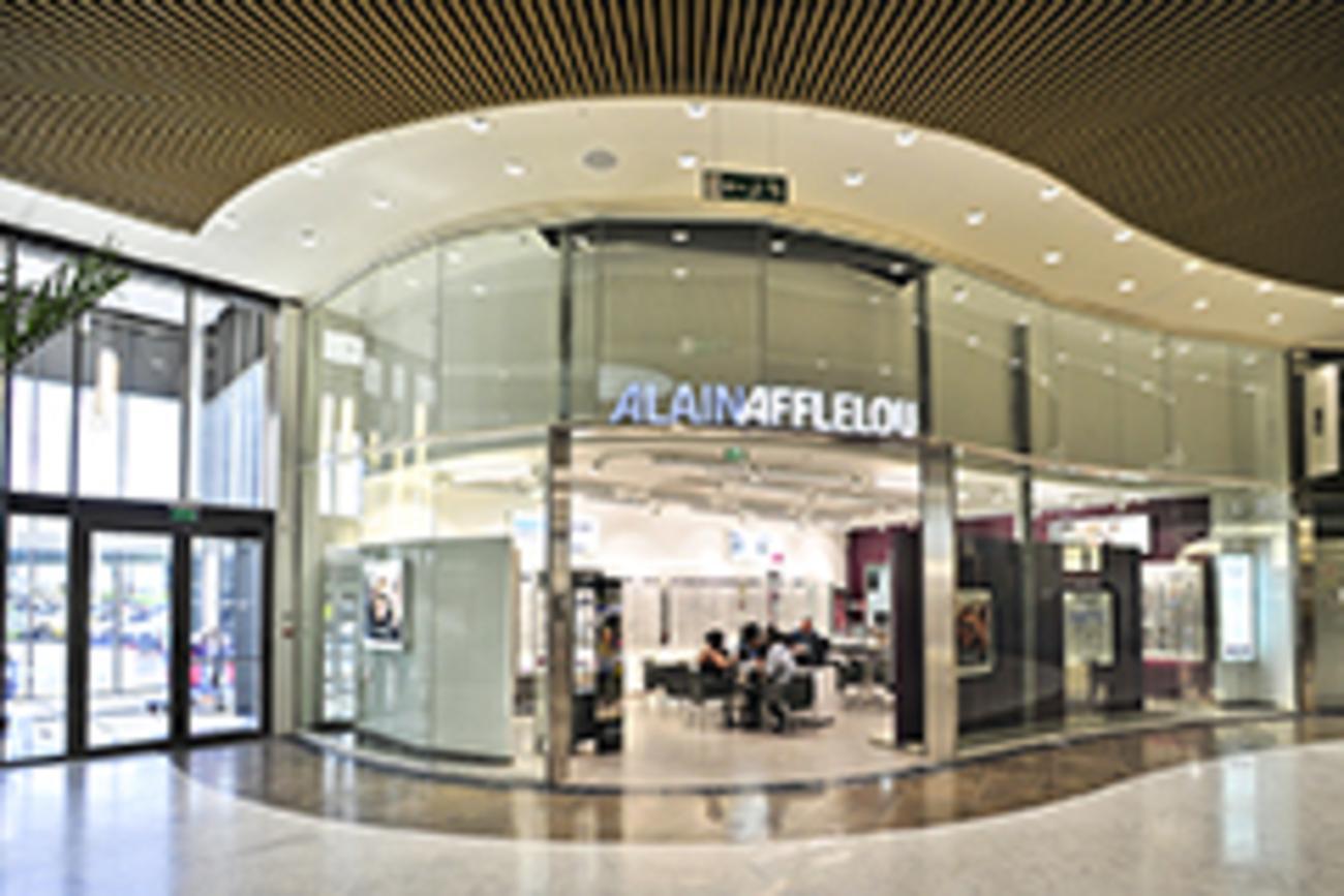 d665a61948dfa Votre opticien Alain Afflelou vous accueille dans son nouveau show-room.  Dans un espace tendance et agréable